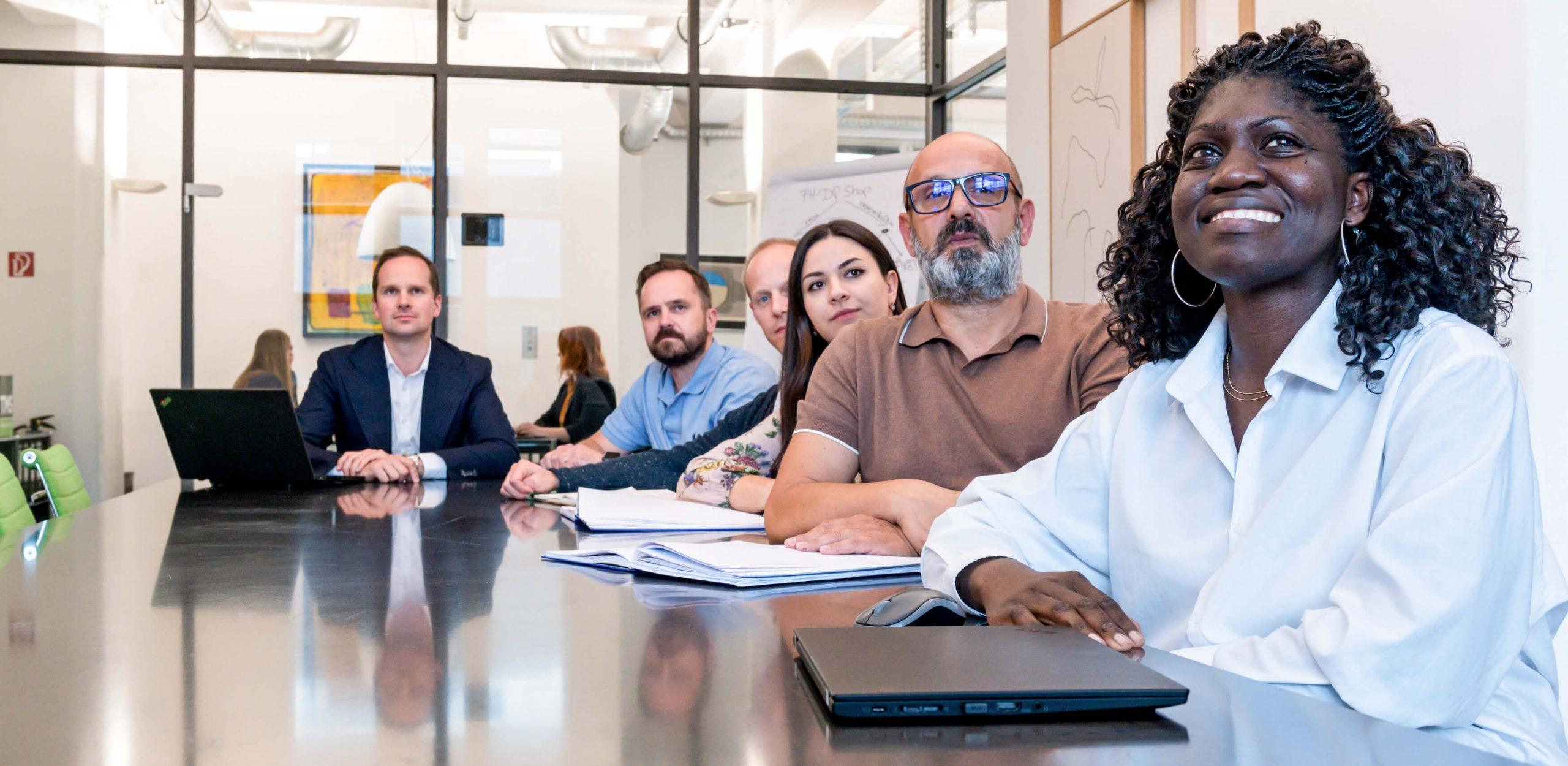 Mehrere Mitarbeiter des SSI Sales Services International Network von TMS