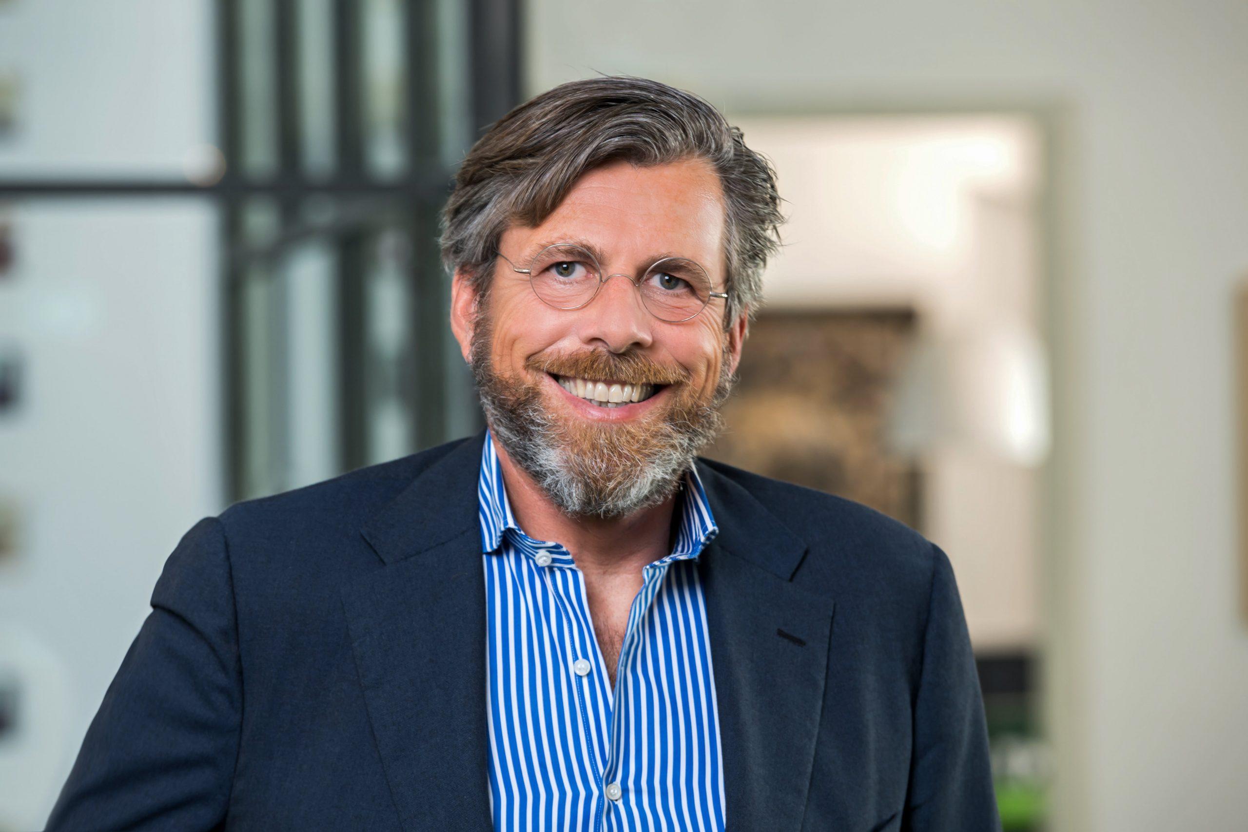 Managing Director und Gründer der TMS Dieter Stempel lächelt