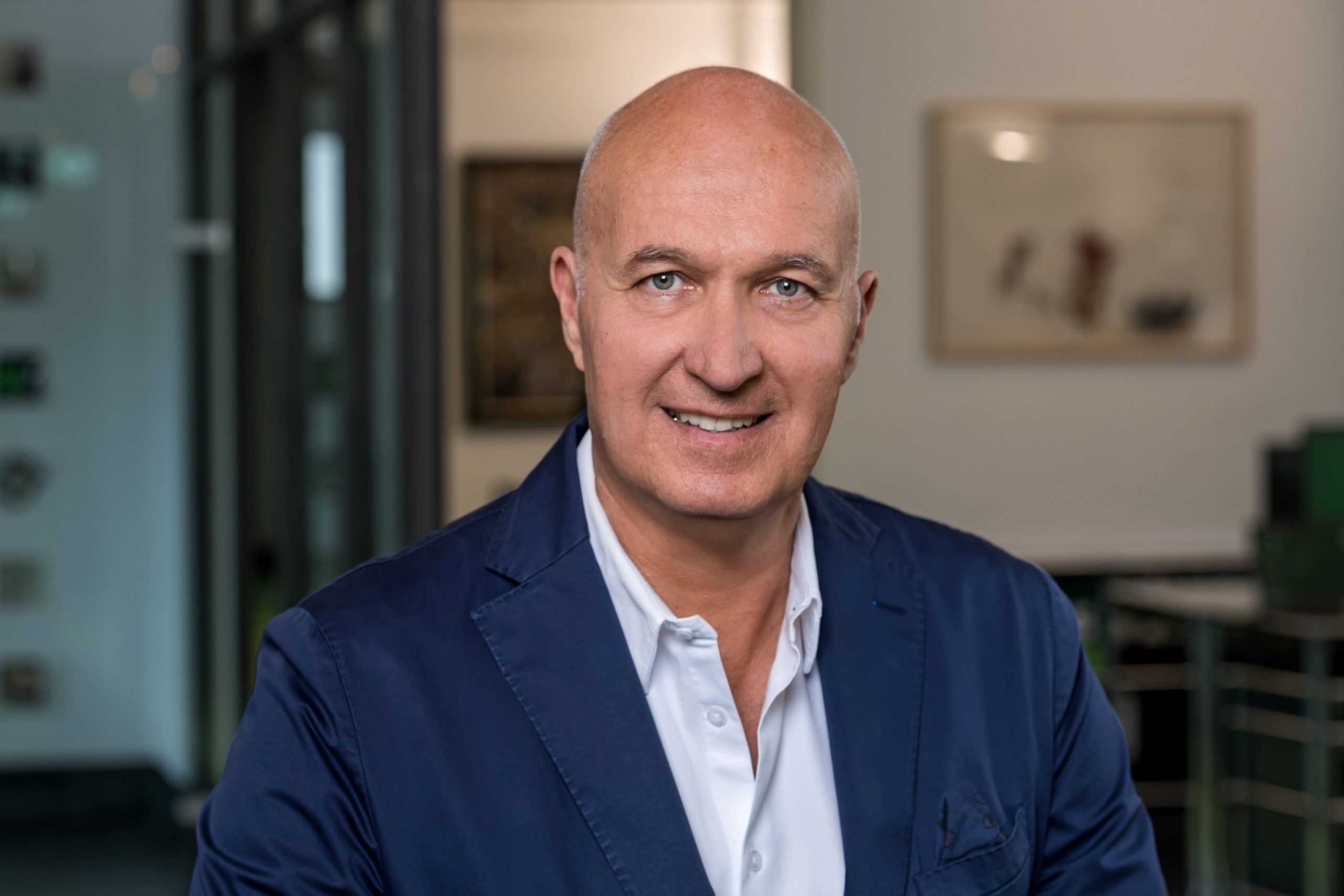 Managing Director der TMS Uwe Morawe lächelt