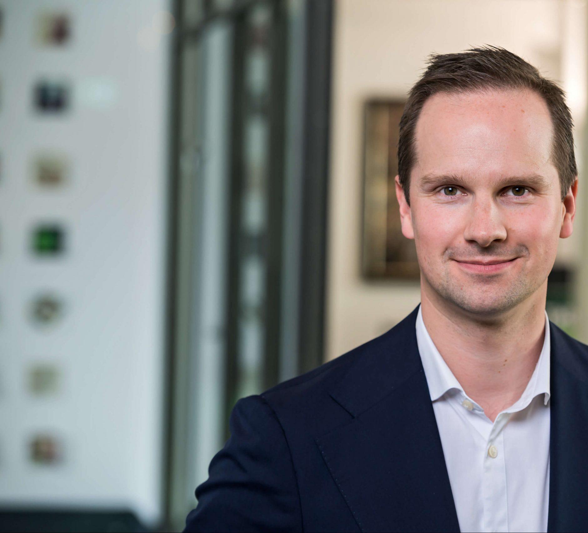Managing Director der TMS Gruppe Mark Nitschke lächelt